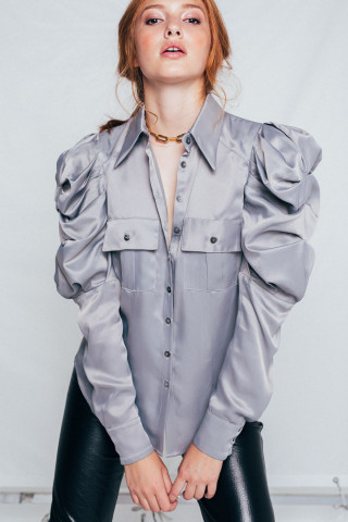 Shirt with puff sleeves