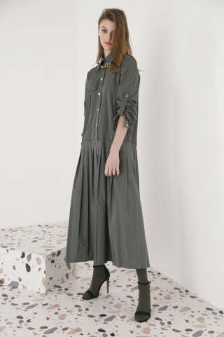 MAXI DRESS IN OLIVE GREEN