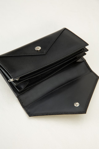 Envelope wallet with croc effect