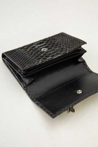 Leather wallet with ring
