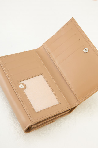 Wallet with buckle